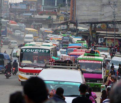 सार्वजनिक सवारी र ट्याक्सी चल्न दिने सरकारको निर्णय