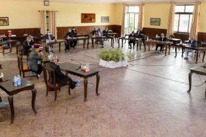 झलनाथ र माधवसहित ११ सांसदमाथि एमालेले थाल्यो कारवाही