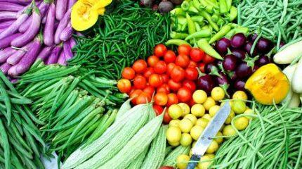 तरकारी खेती: दुःख किसानलाई, नाफा बिचौलियालाई !